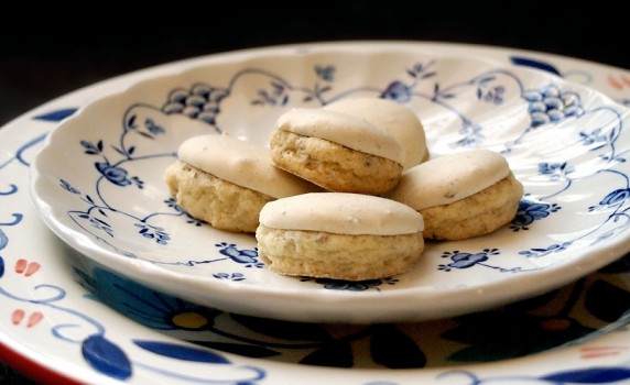 Vintage Self-Glazing Anise Cookie Recipe