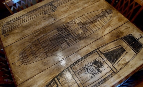 How to Make a Rustic Aged Decoupaged Table